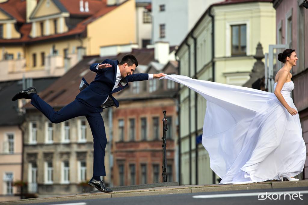 , Stressed, depressed, but well dressed czyli sesja Ślubna Agnieszki i Marcina, Fotografia Ślubna Lublin Wojtek Kornet